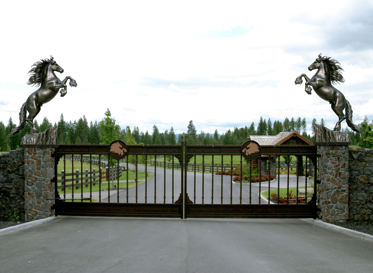 Friesian-Horse-Sculpture-Friedom-Estate-Gate-Entry-Monument